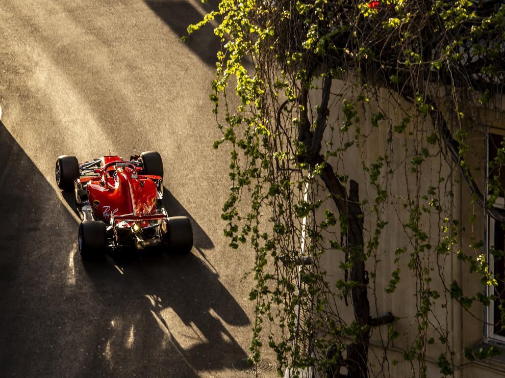 Vettel en el circuito urbano de Bakú