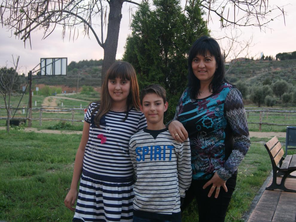 Gemma Muniesa, con sus hijos Marco y Lucía