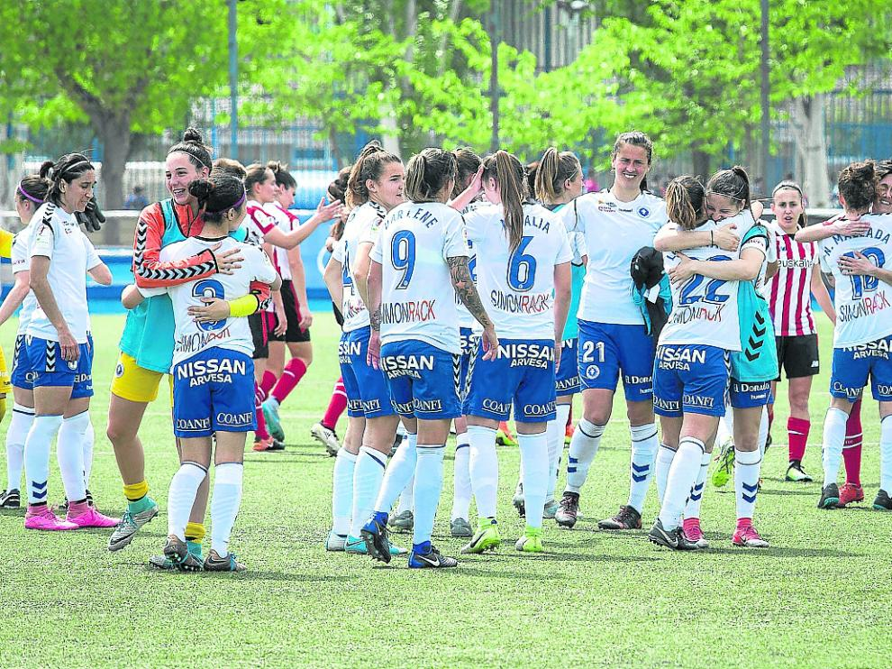 Las jugadoras zaragozanas celebraron la victoria.