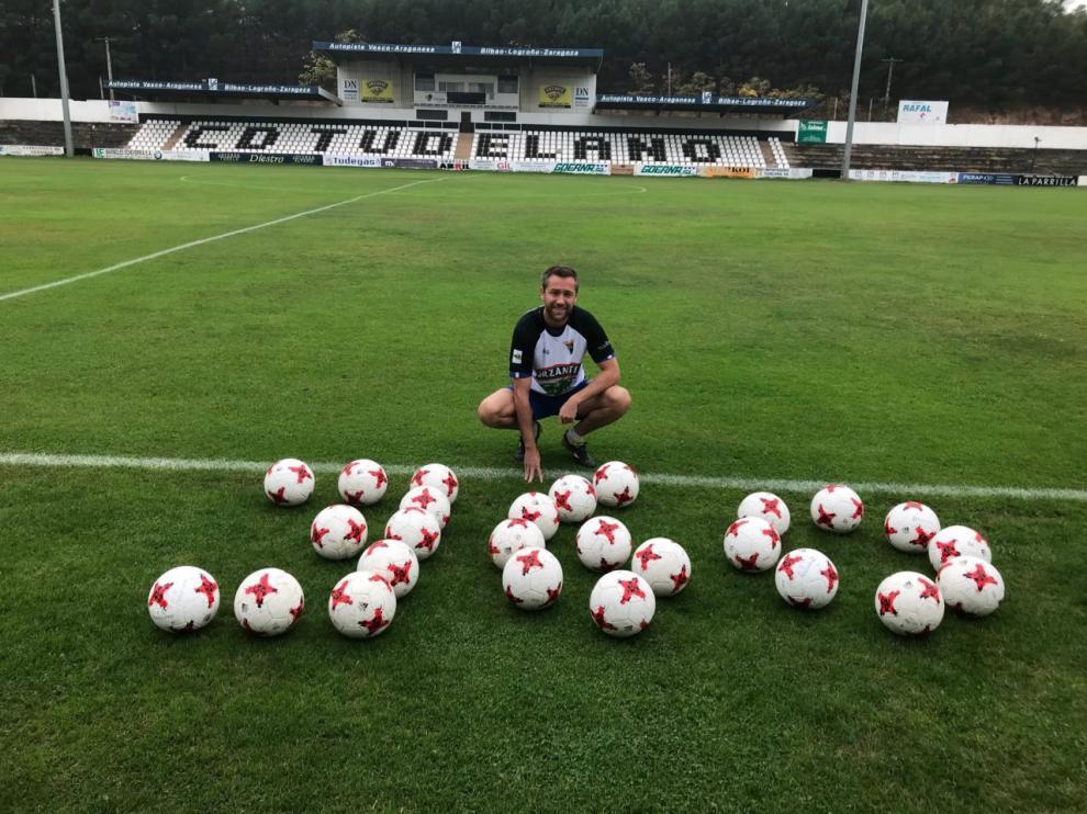 Víctor Bravo, tras disputar 360 partidos en Segunda División B.