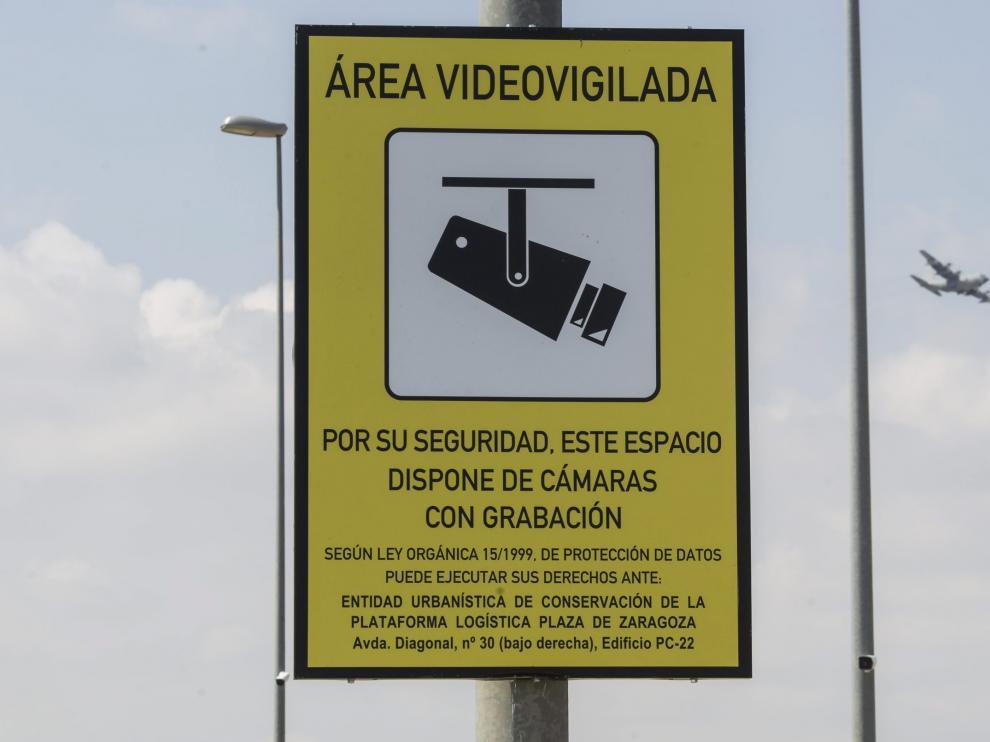 Cartel de área videovigilada.