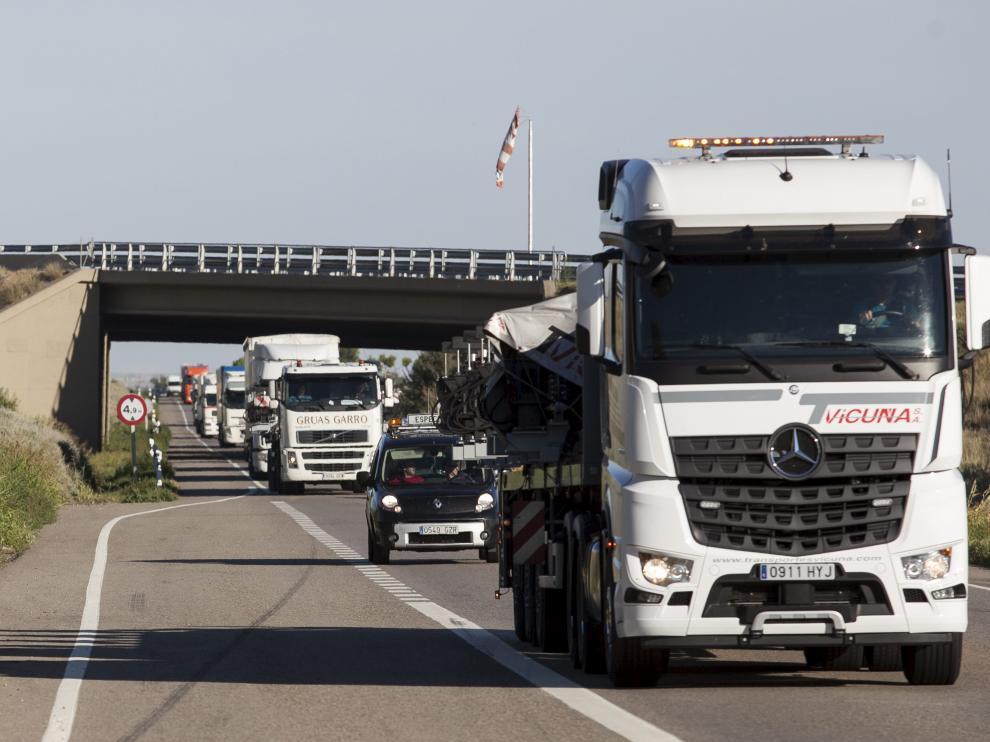 La N-II soporta un intenso tráfico de camiones pese a las bonificaciones que tienen para circular por la AP-2.