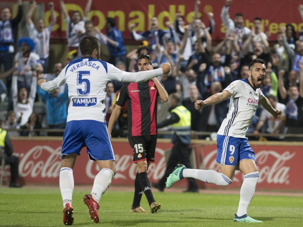Verdasca y Borja celebran el gol zaragocista en Reus.