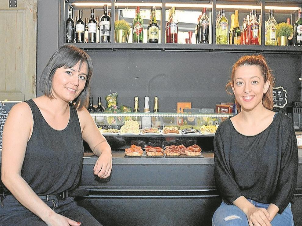 Marcela Garcés y Alba Magallón, en el Bardot.