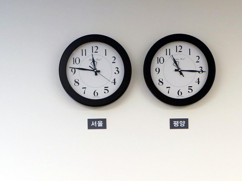 La diferencia horaria que había entre los dos países era de media hora.