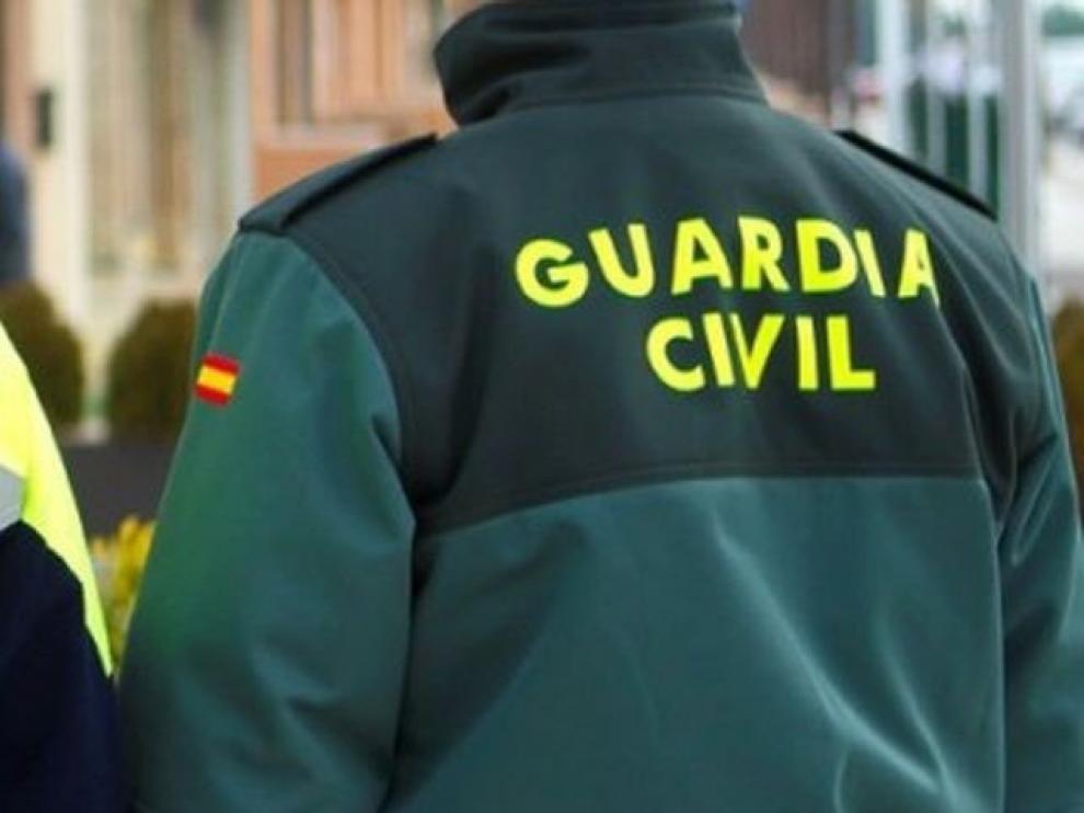 Los agentes fueron arrestados junto a otras cuatro personas en el curso de una operación contra el narcotráfico desarrollada en La Línea de La Concepción, San Roque y Algeciras.