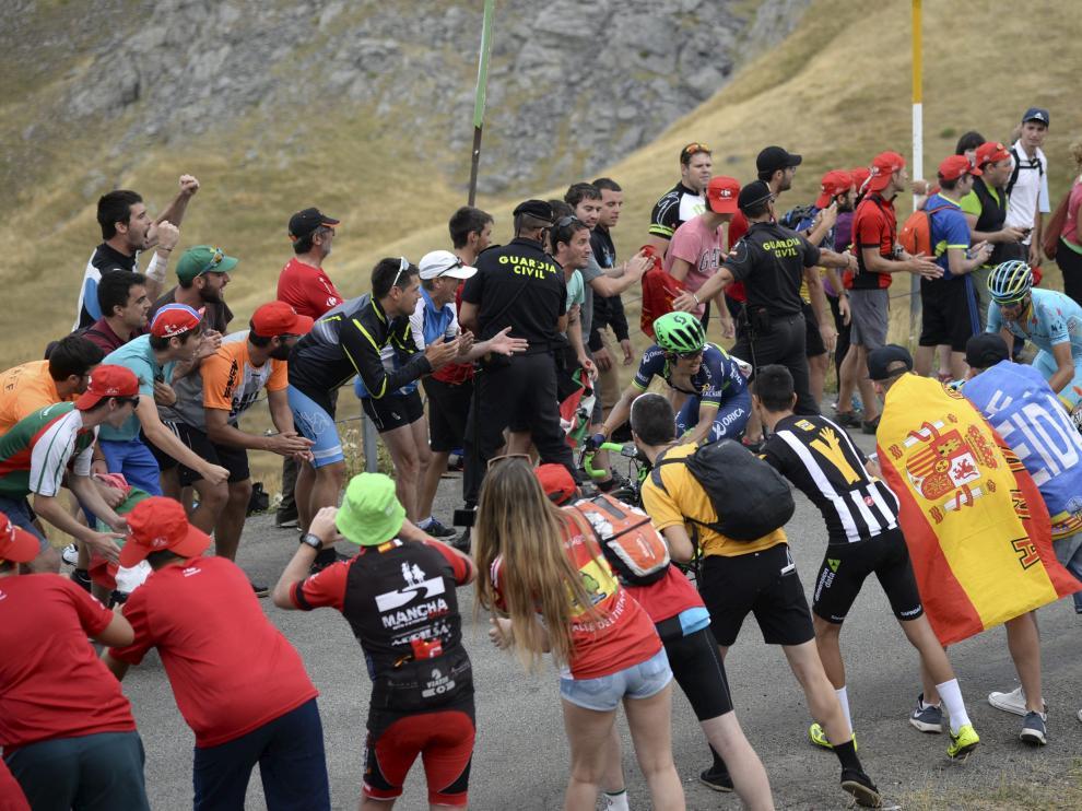 Ambiente en la vuelta ciclista en la llegada a Formigal en la edición de la Vuelta en 2016