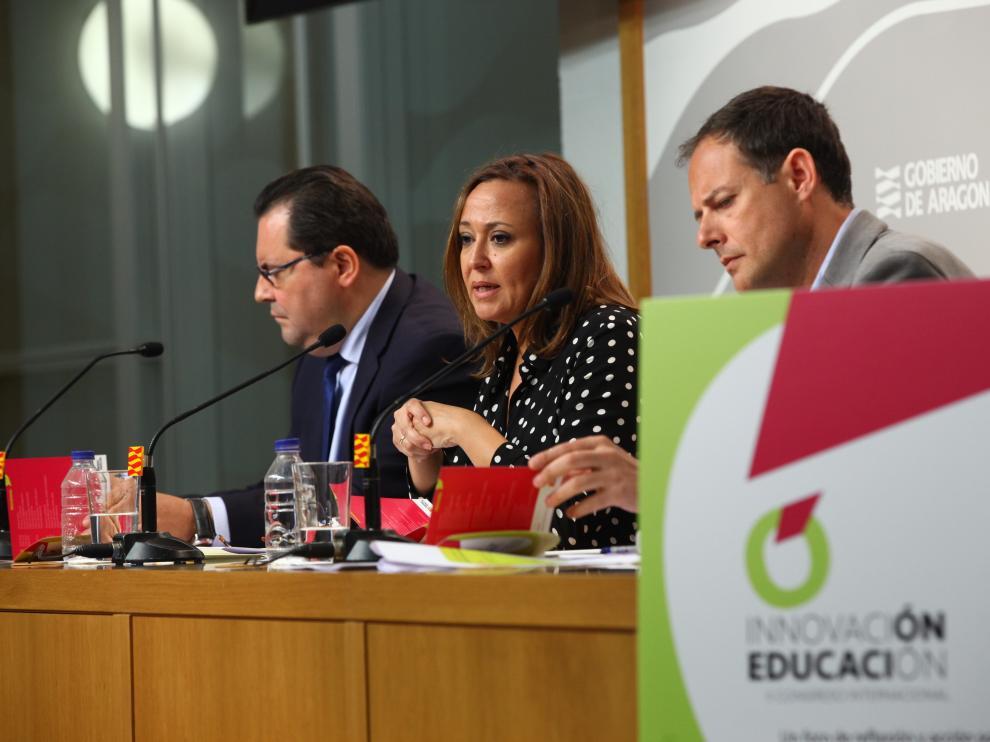 La consejera de Educación, Mayte Pérez, durante la presentación del II Congreso de Innovación Educativa.