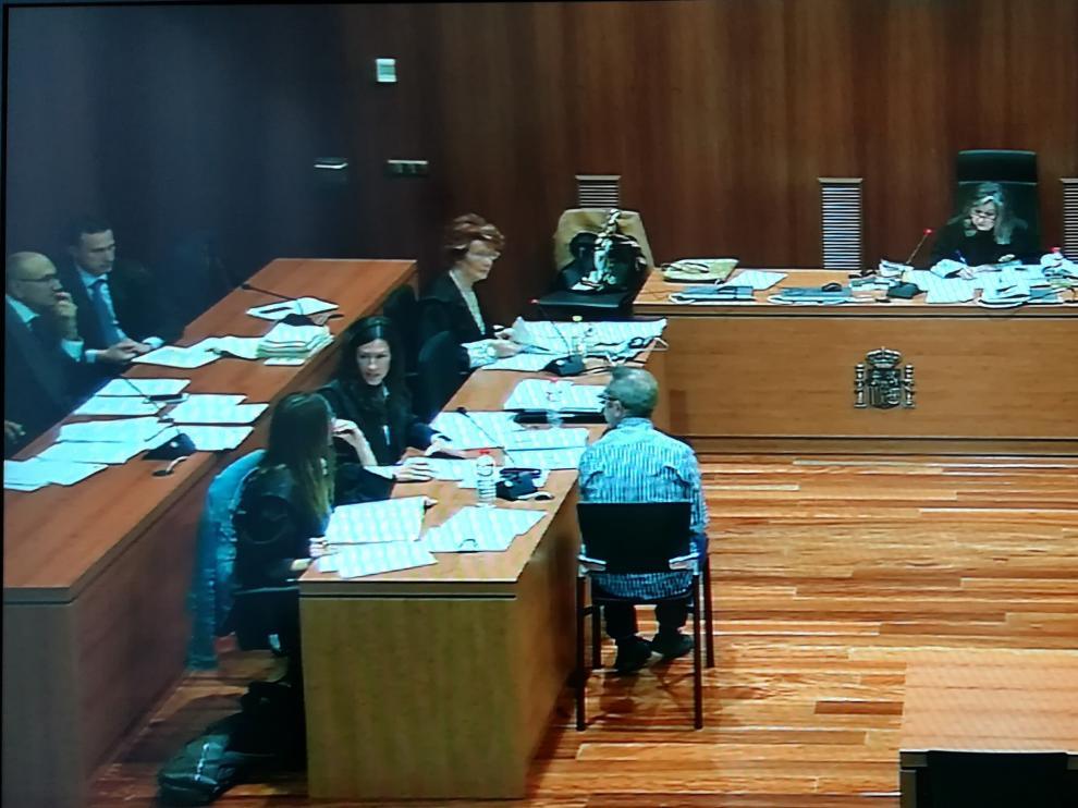El acusado, durante la cuarta sesión del juicio, celebrada este jueves en la Audiencia Provincial de Zaragoza.