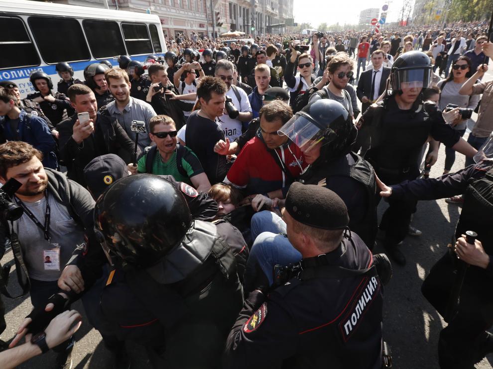 Cientos de detenidos en toda Rusia en una protesta contra Putin