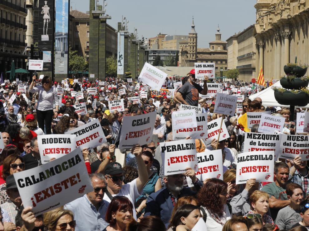 Manifestación de Teruel Existe en las calles de Zaragoza
