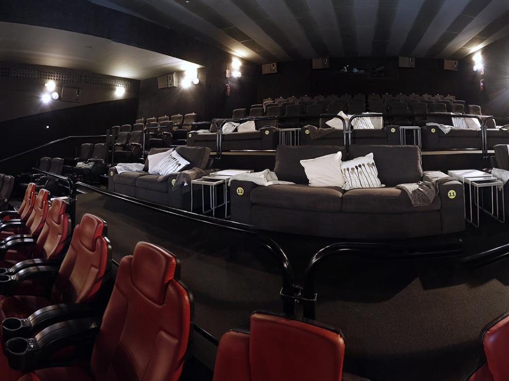 Ikea transforma los cines de Puerto Venecia en un salón de casa