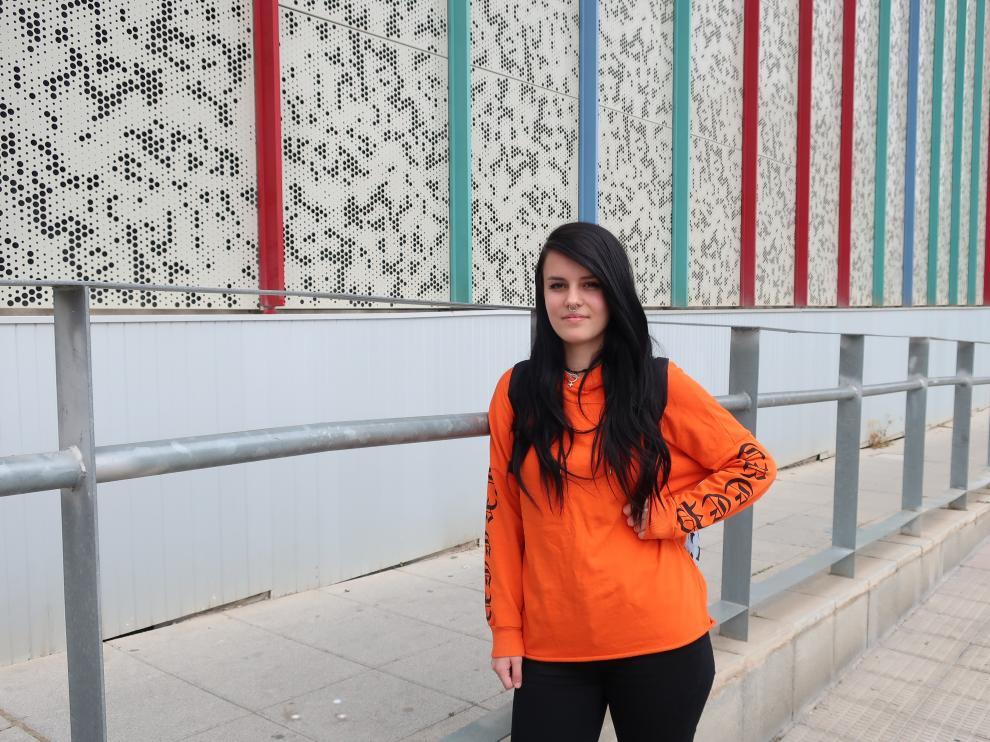 Ariadna, oscense de 18 años que ha vivido en un centro de menores y ahora estudia en Zaragoza.