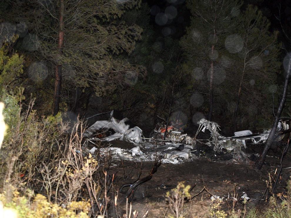 Imagen de los restos de la avioneta tras el accidente