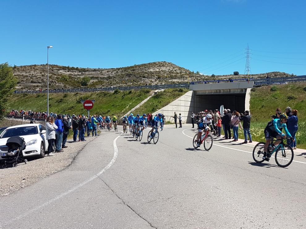 Sabiñánigo se vuelca con Jorge Arcas y Jaime Castrillo en la salida de la Vuelta Aragón