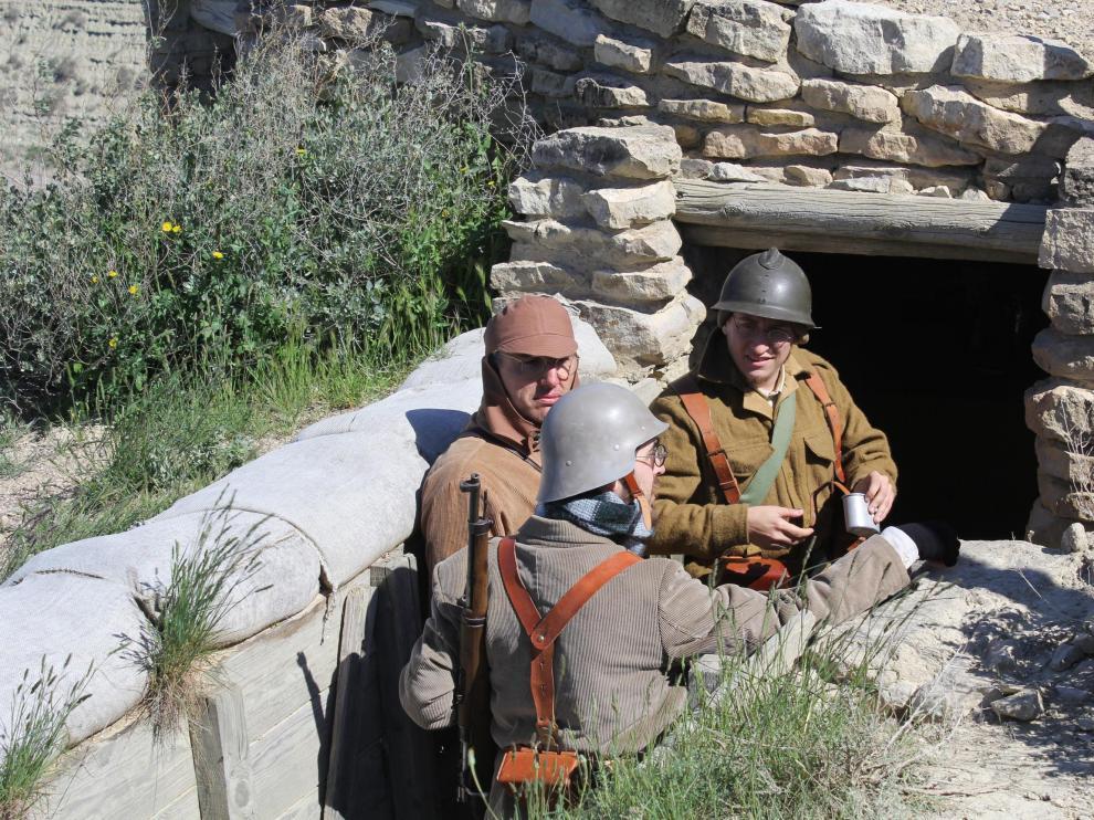 Más de 200 personas han disfrutado de la recreación de escenas cotidianas y de lucha ocurridas en esta posición durante la Guerra Civil española.