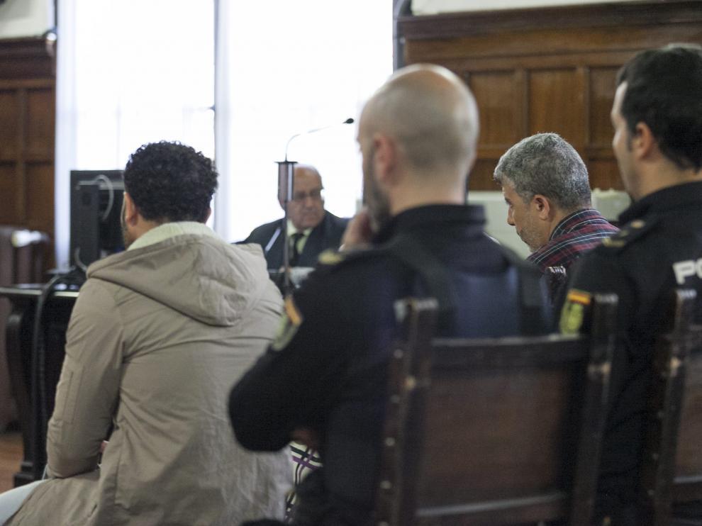 Los dos condenados, durante la celebración de la vista en el Tribunal Superior.