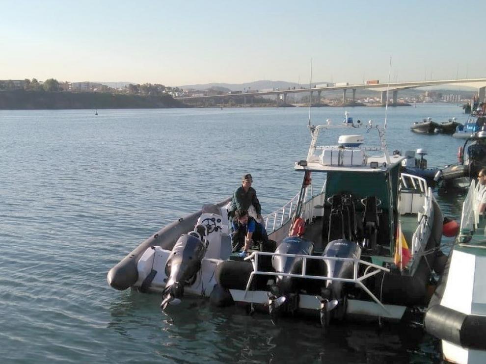 Imagen de la lancha semirrígida que ha causado la muerte de un menor en Algeciras.