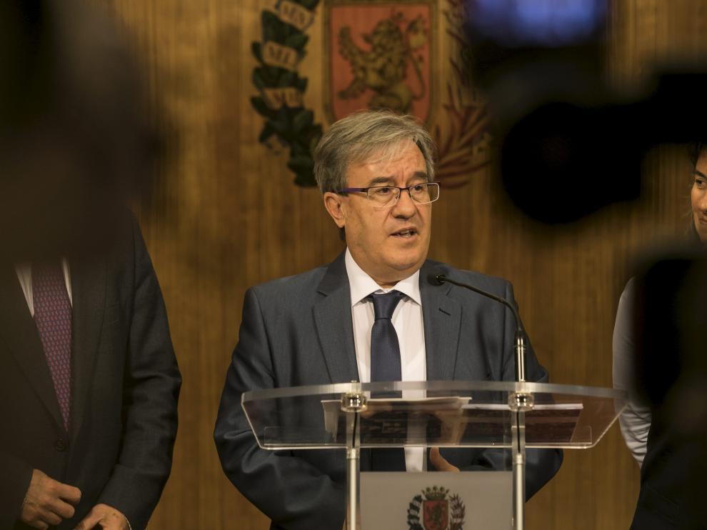 Ángel Dolado, Justicia de Aragón.