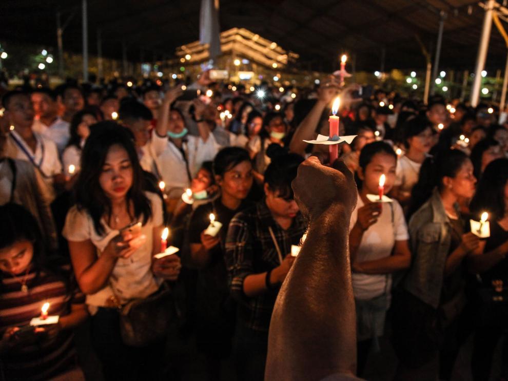 Vigilia por los las víctimas de los últimos ataques en Indonesia