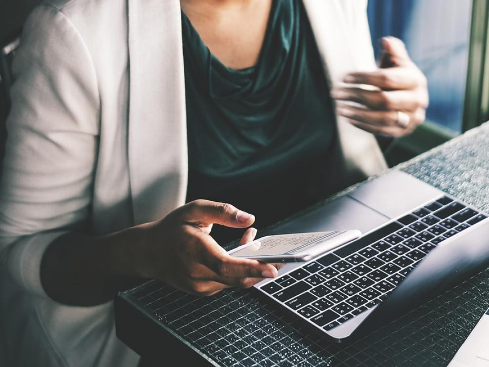 La falta de perfiles con capacitaciones digitales preocupa a las empresas aragonesas