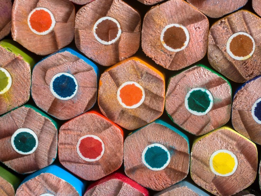 Hablamos de lápices de grafito, pero lo mismo pasa con las pinturas de colores.