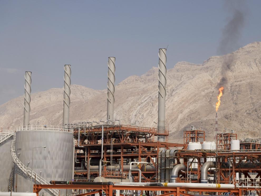 Pozos petrolíferos en Irán.