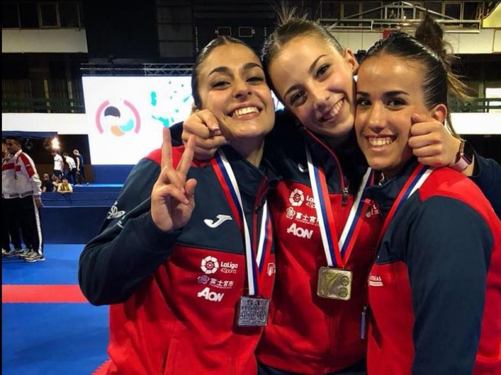 Raquel Roy, a la derecha, con sus compañeras del equipo nacional absoluto Marta García y Lidia Rodríguez.
