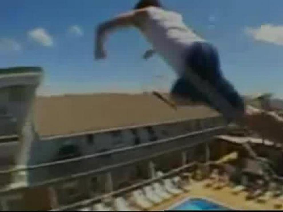 """El gobierno británico ficha a un médico español para luchar contra el """"balconing"""""""