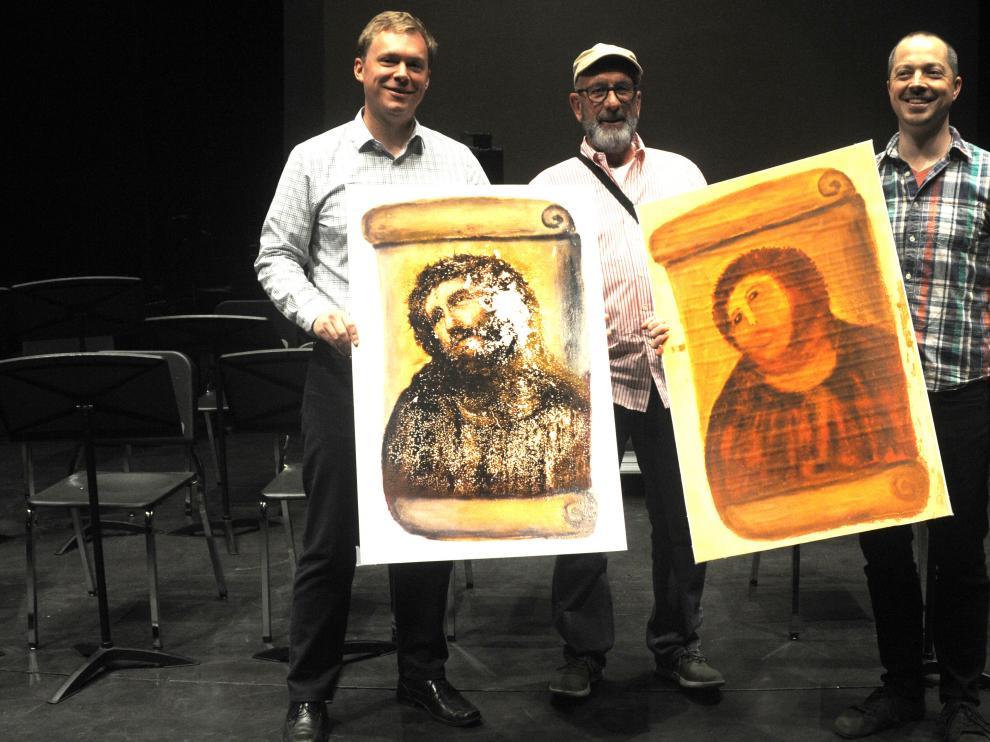 El director del Lyric Opera Theatre, Brian DeMaris; el director de la obra, Andrew Flack; y el compositor Paul Fowler.