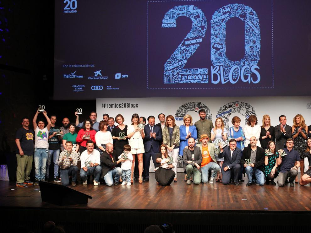 Foto de grupo de los Premios 20Blogs, este jueves, en el Caixa Forum de Madrid.