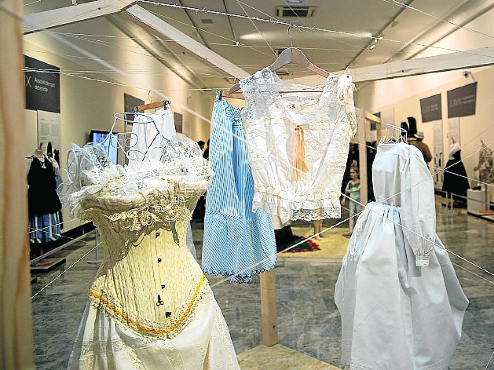 La muestra incluye ropa interior.