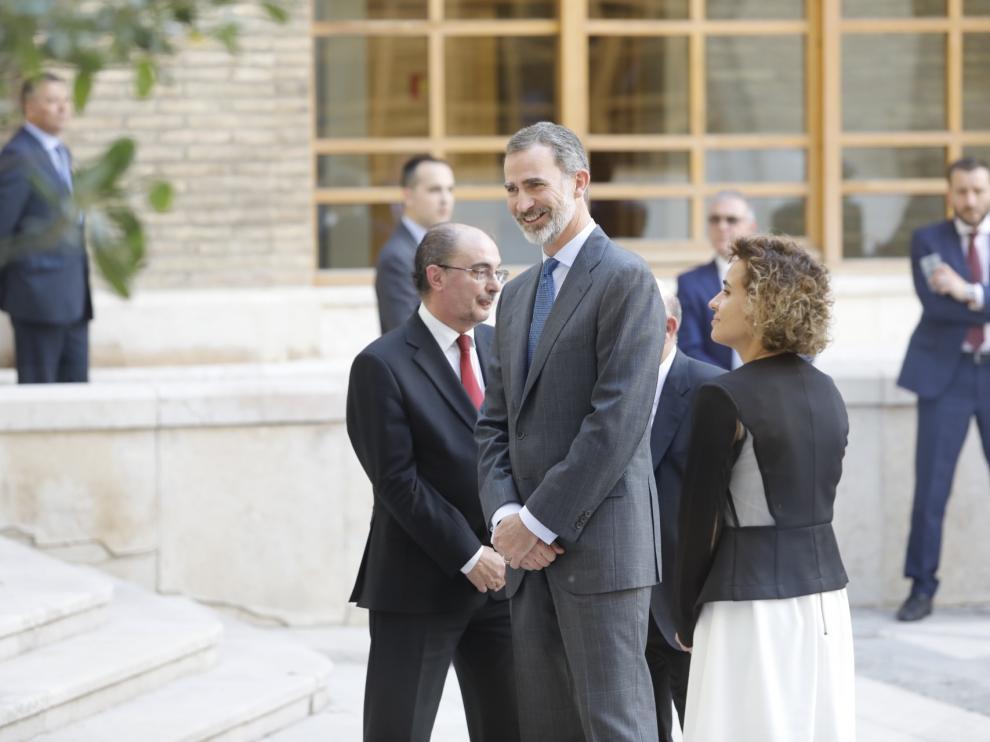 El Rey, en el edificio Pignatelli, sede del Gobierno de Aragón.