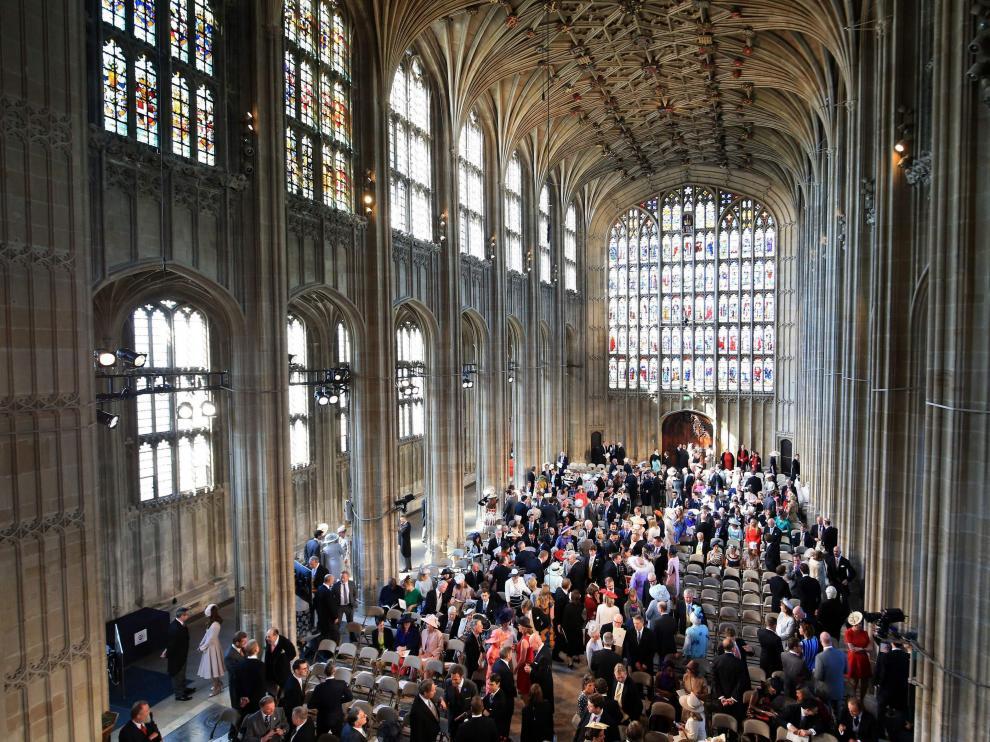 085e08f2608 Los invitados a la boda Real subastan por internet el regalo que les ...