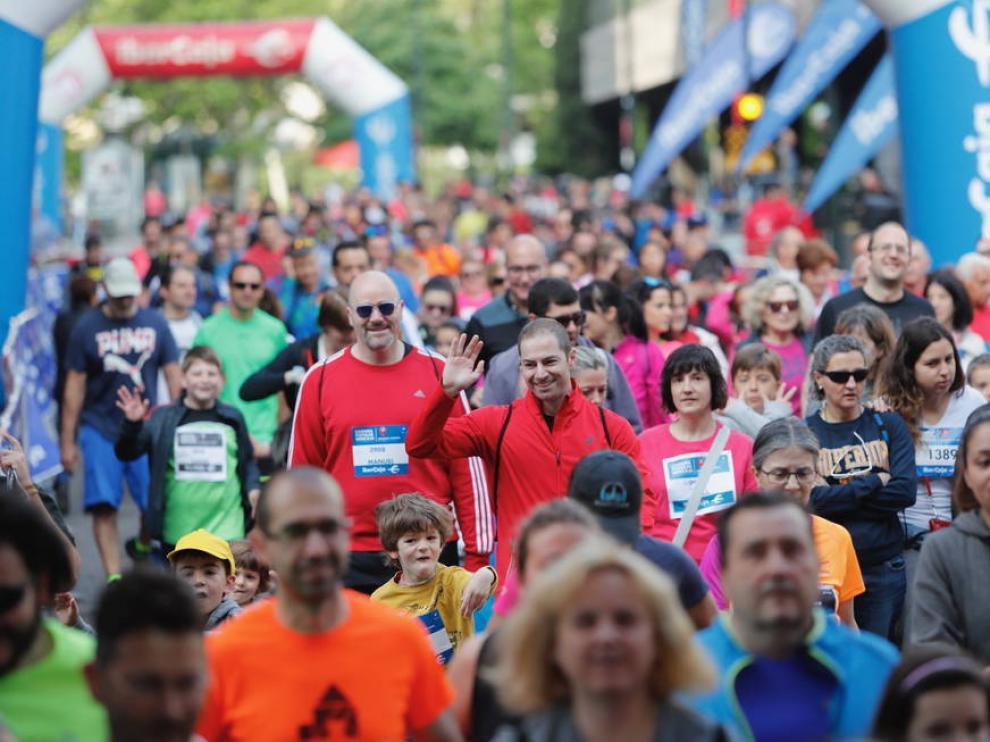 Los corredores inician la Carrera Popular Ibercaja de Zaragoza