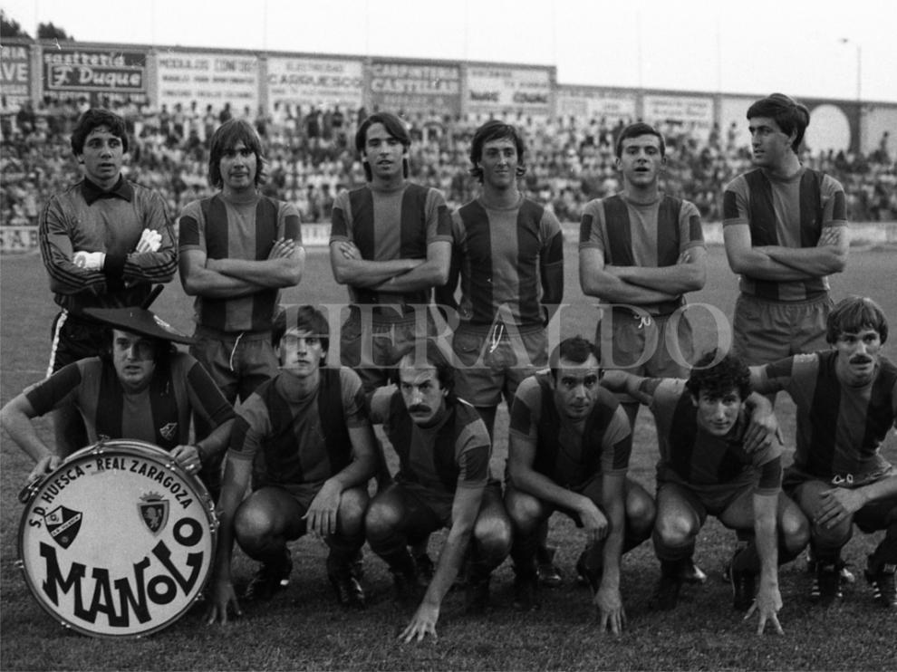Once inicial de la SD Huesca a principios de los años 80 junto a Manolo 'el del bombo' antes de enfrentarse al Real Zaragoza en El Alcoraz