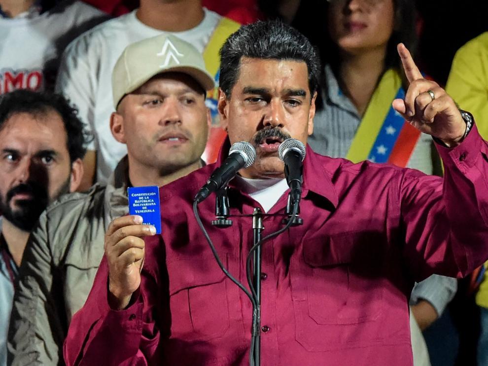El presidente Nicolás Maduro anuncia los resultados de estos comicios.