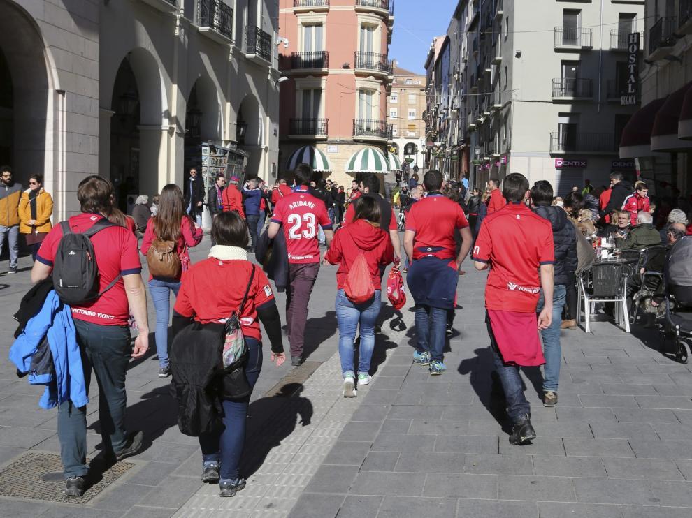 Aficionados del Osasuna, uno de los equipos que más visitantes atrajo a Huesca esta temporada