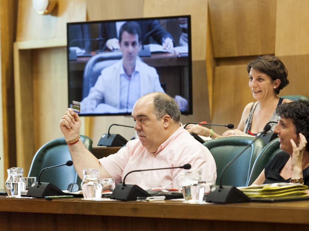 Roberto Fernández, en una comisión de Urbanismo del Ayuntamiento de Zaragoza.