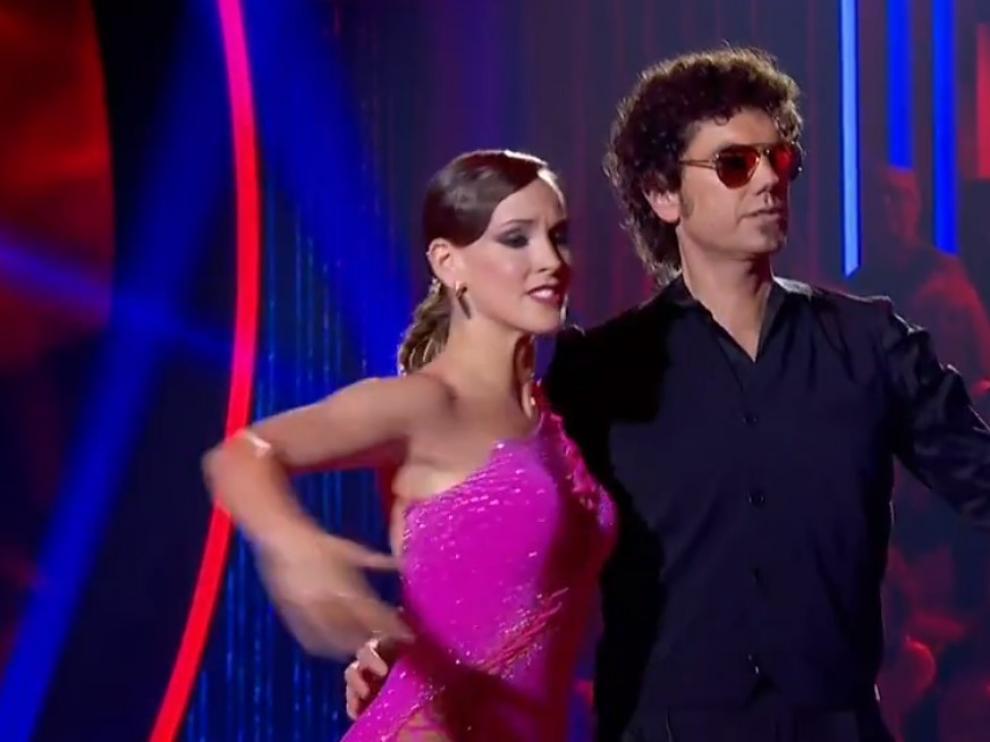 La bailarina Sara Baudín, con Paco Ibáñez, el Hombre de Negro, este martes en 'Bailando con las estrellas'