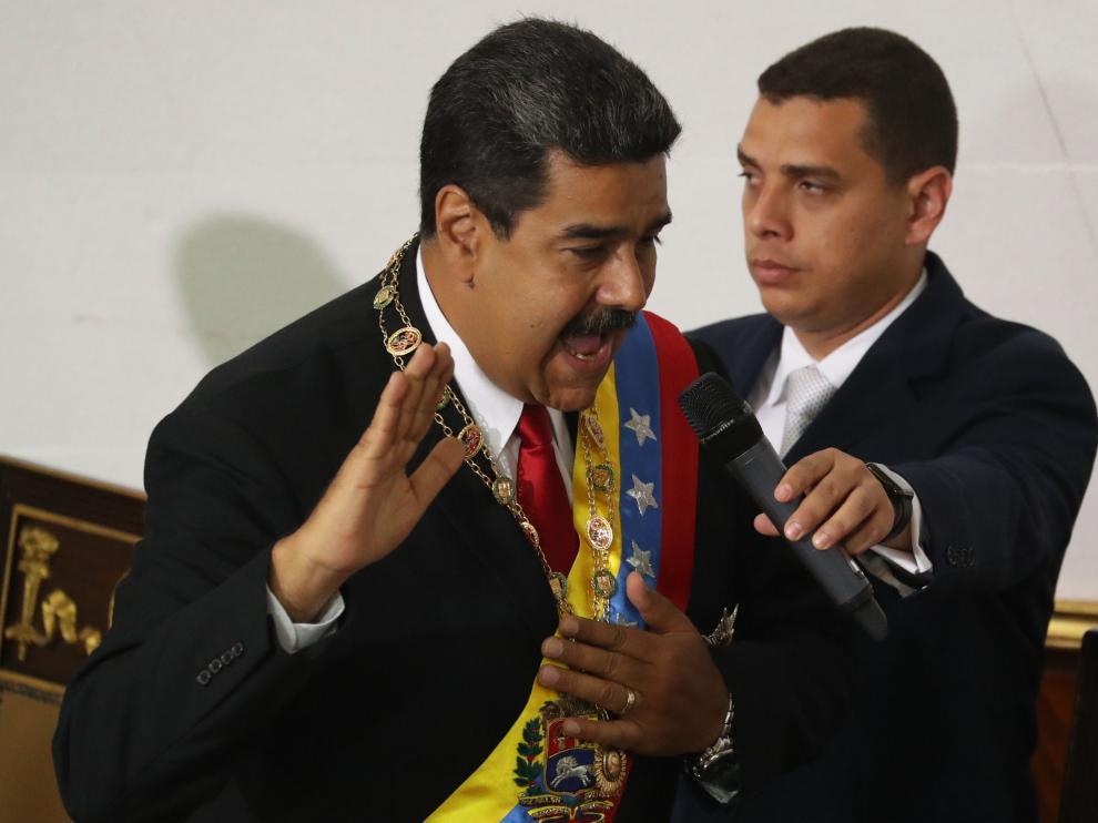 Nicolás Maduro jura su cargo como presidente ante la Asamblea Constituyente oficialista
