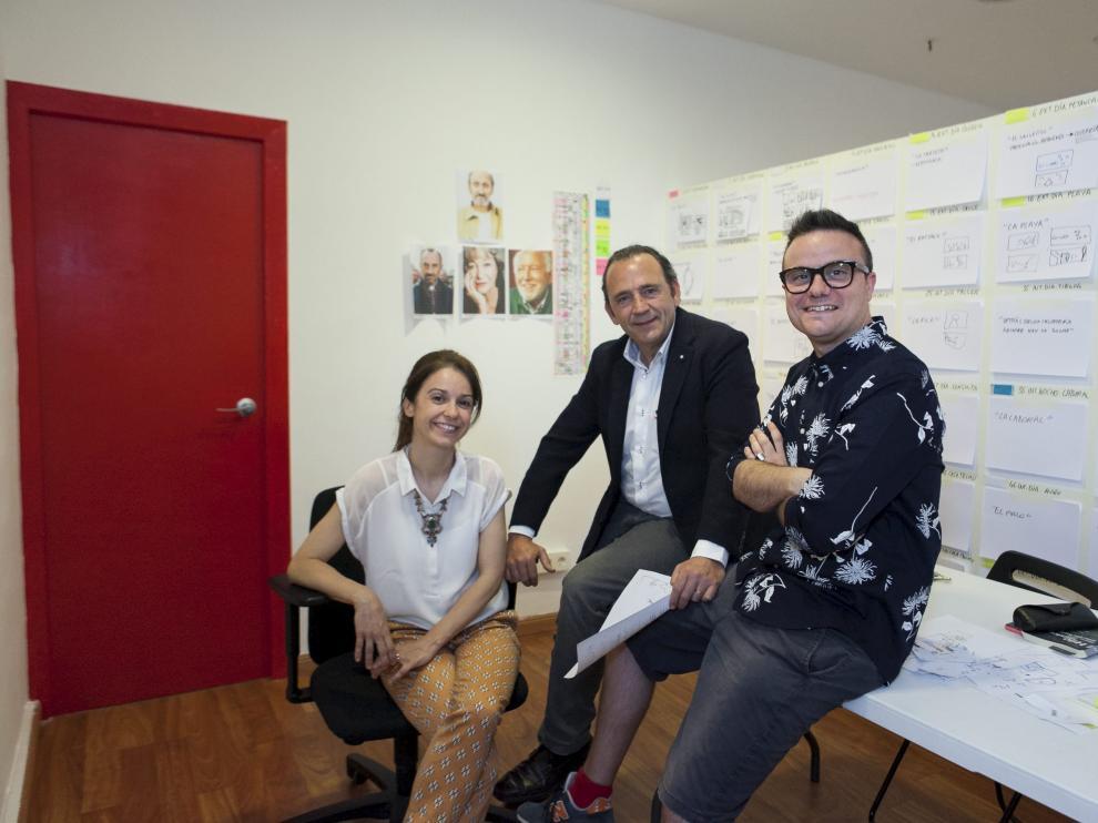 Gloria Sendino, Jaime García Machín e Ignacio Estaregui, productores de 'Miau'.