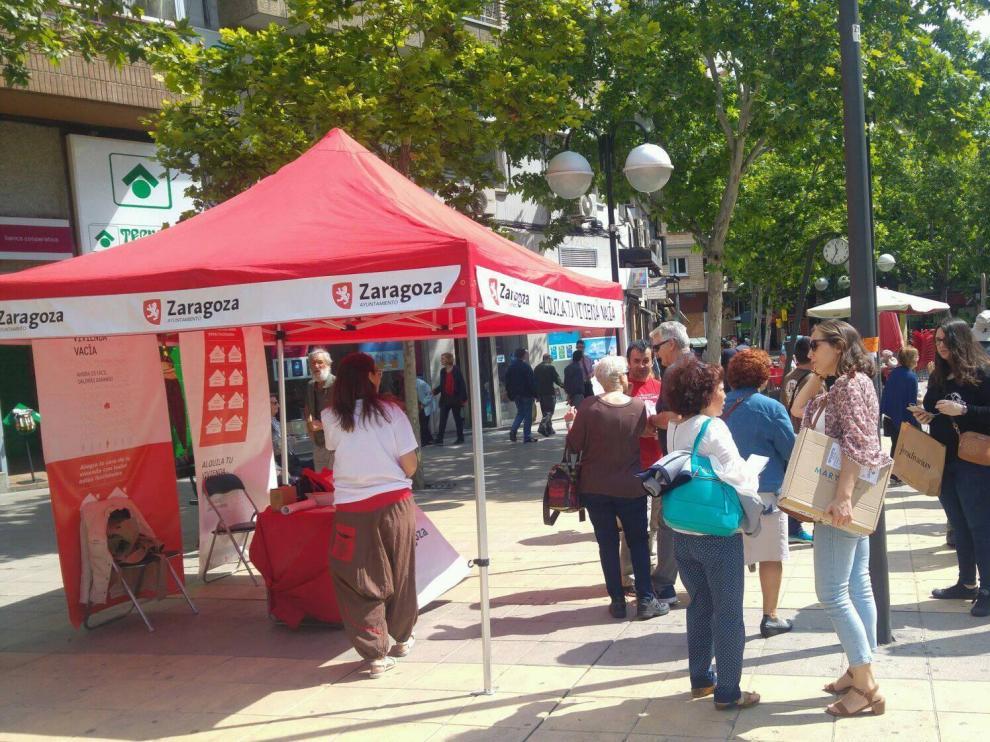 La plaza de Las Canteras fue el sábado 26 punto de información para alquilar viviendas vacías