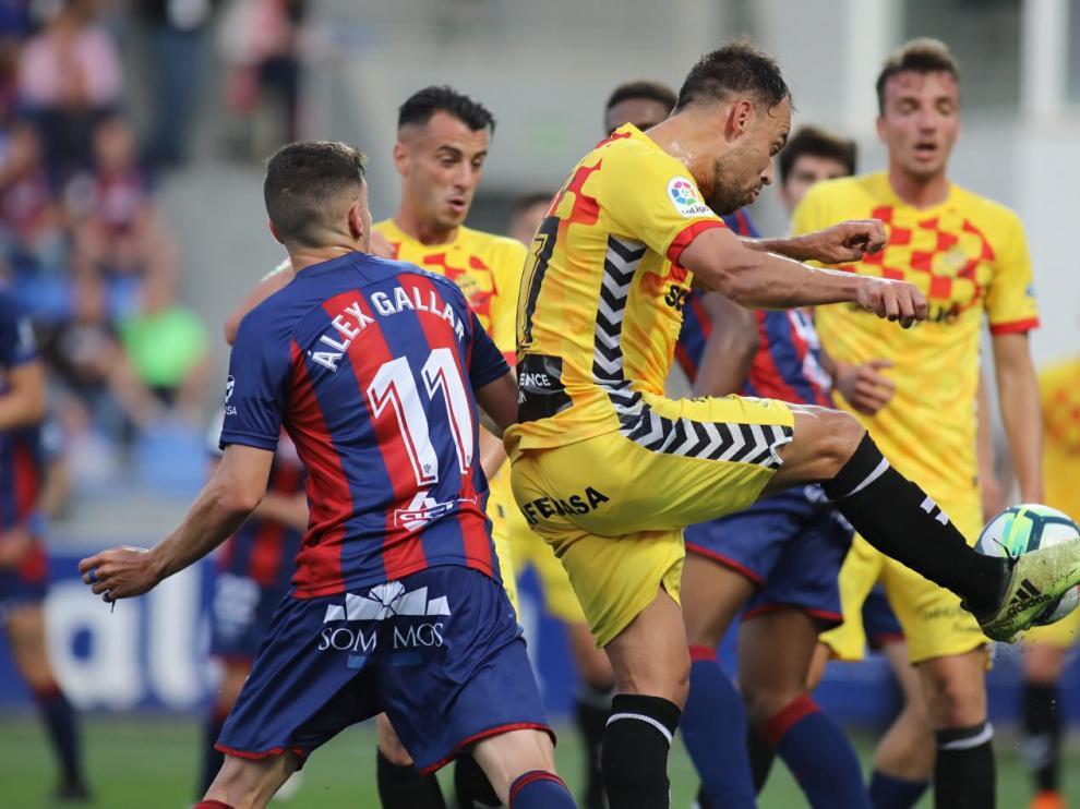 Un momento del Huesca-Nástic de Tarragona disputado este pasado domingo en el estadio de El Alcoraz (0-1).