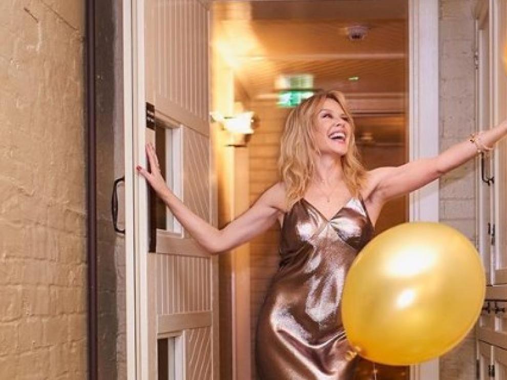 Kylie Minogue Se Desnuda Por Su 50 Cumpleaños Noticias De Sociedad