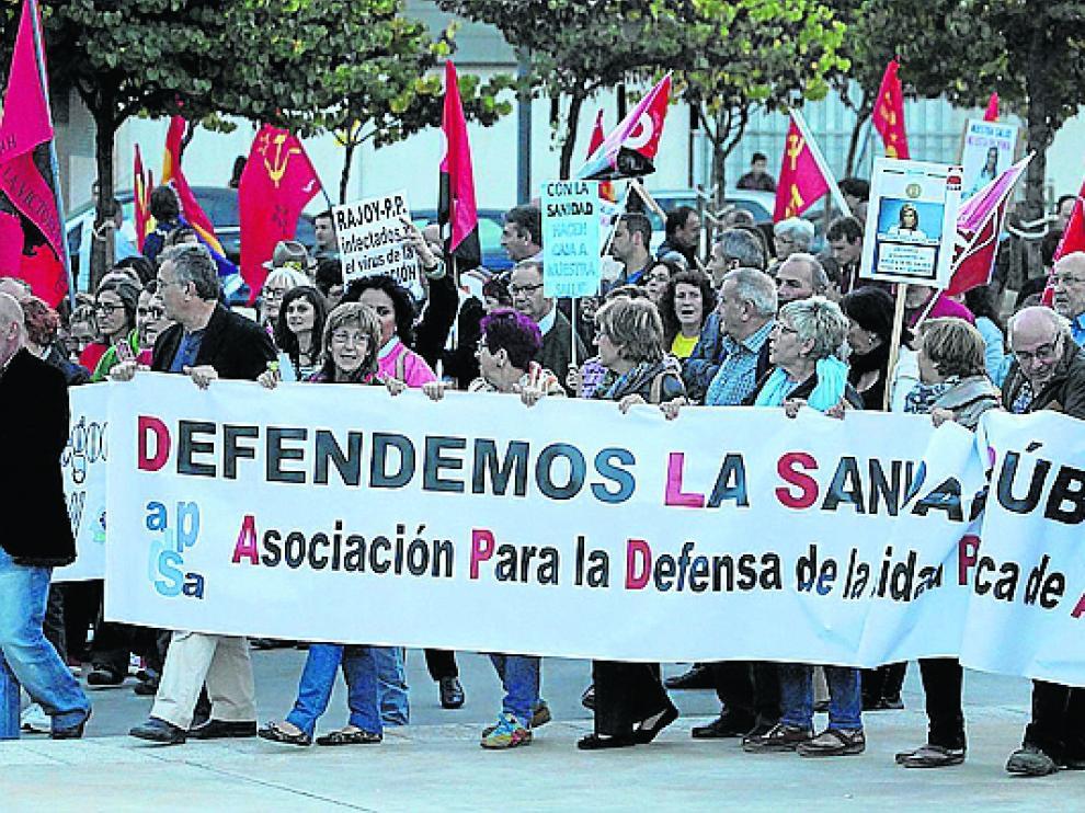 Marea Blanca. Colectivos ciudadanos como Teruel Existe han tomado el relevo en la defensa de la sanidad pública que durante años abanderaron profesionales sanitarios. La marea ha anunciado el cese de su actividad, pese a que algunos problemas se han agravado en la Comunidad.