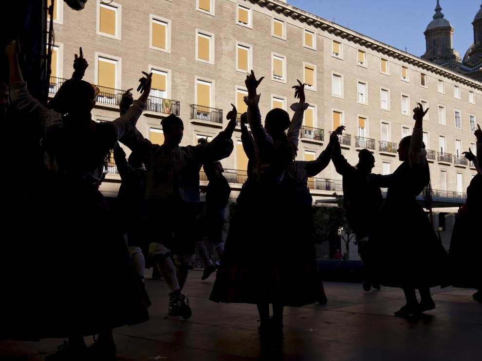 La jota aragonesa está vinculada a diferentes transmisiones orales desde el siglo XVIII.