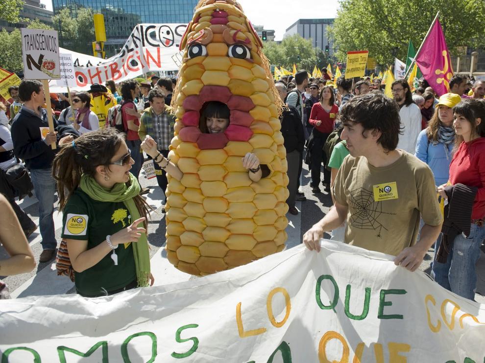 Manifestación contra los transgénicos en Zaragoza en 2009