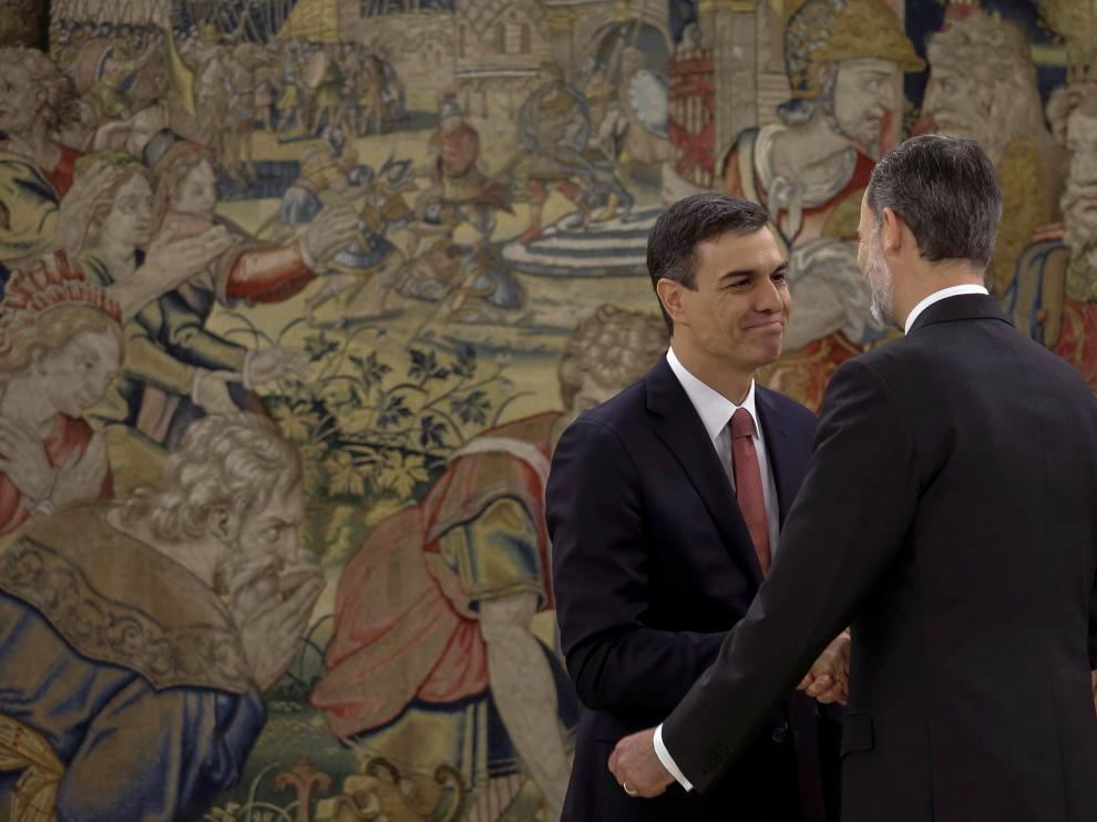Foto de archivo del presidente del Gobierno, Pedro Sánchez, y el rey Felipe VI.