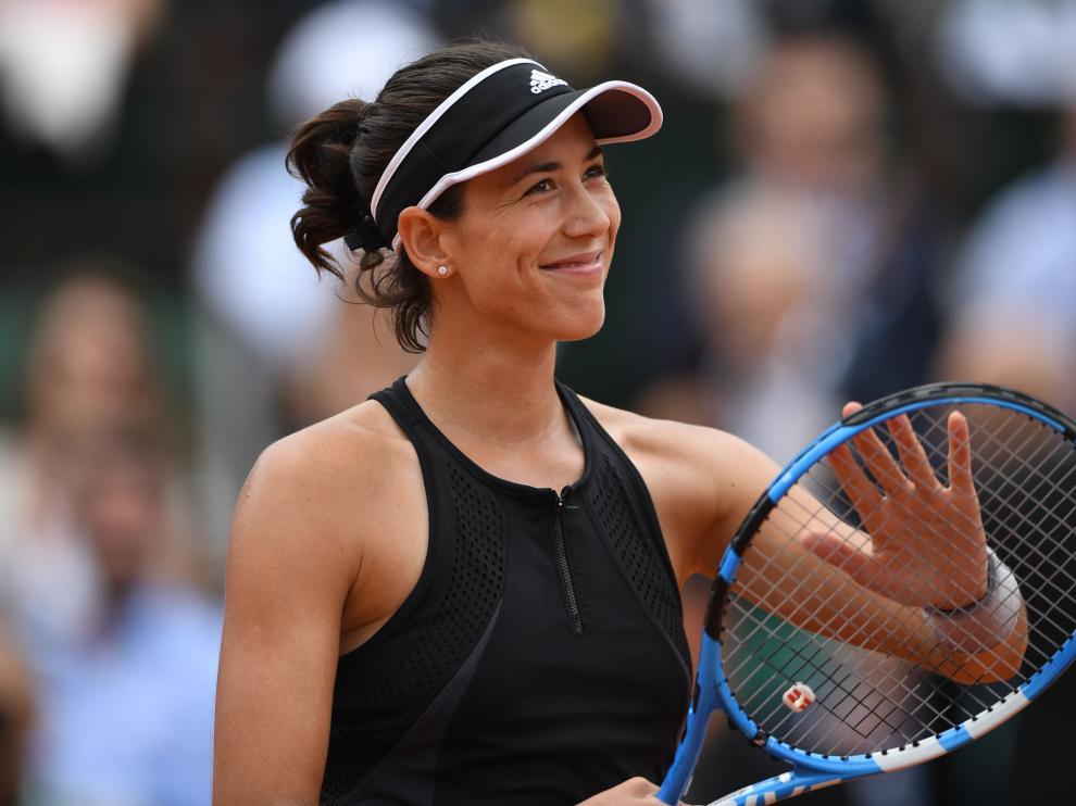 Garbiñe somete a Sharapova y se planta en semifinales